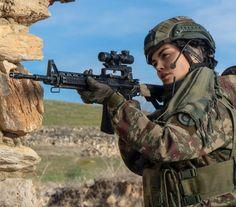 Turkish Military, Turkish Army, Army Police, Im A Survivor, Female Soldier, Military Women, Strong Girls, Headgear, Warfare