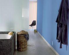 Colour inspirations will help you imagine how you could transform your home décor. See the latest colour trends and decoration ideas. Room Wall Colors, Wall Paint Colors, Bathroom Colors, Relax, Latest Colour, Easy Paintings, Color Trends, Color Inspiration, Living Room Decor