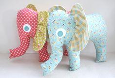 Artesanato e Cia: Elefantinho em tecido - passo a passo