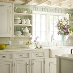 butler\'s pantry makeover