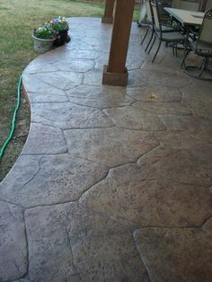 stamped concrete patio…much cheaper than flagstone or pavers and looks just as good! Except in grey – Modern Patio - All For Garden Stamped Concrete Patterns, Concrete Patio Designs, Cement Patio, Flagstone Patio, Backyard Patio, Backyard Landscaping, Colored Concrete Patio, Stamped Concrete Driveway, Curved Patio