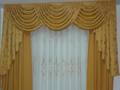 Persianas Peru, Estores Peru, Puertas Plegables Peru, Cortinas ... Hanging Curtains, Window Curtains, Church Altar Decorations, Valance Patterns, Valance Window Treatments, Elegant Curtains, Diy Cushion, Big Bathrooms, Pergola Attached To House