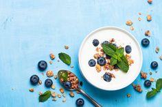 Greek yogurt granola and blueberries on blue table top view. Healthy food nutrition, snack or breakfast. Healthy Filling Snacks, Super Healthy Recipes, Healthy Foods To Eat, Yummy Snacks, Healthy Dinner Recipes, Healthy Eating, Healthy Skin, Easy Recipes, Yogurt And Granola