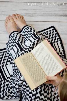 Thassos Mosaic Crochet Blanket instant download PDF pattern | Etsy Crochet Square Patterns, Shawl Patterns, Crochet Blanket Patterns, Crochet Pattern, Knitting Yarn Diy, Crochet Flower Tutorial, Manta Crochet, Single Crochet Stitch, Photo Tutorial