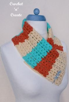 FREE crochet pattern for open cluster cowl, a quick and simple project to carry around with you, find the pattern on crochetncreate. Crochet Scarves, Crochet Hooks, Free Crochet, Double Crochet, Single Crochet, Crochet Stitches, Crochet Patterns, Autumn Crochet, Ladies Wear