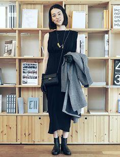 市川実日子さん「はじめてのブラックドレスを、情熱接客で。」篇