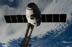 NASA Space X Great Red Dragon Photos | File photo of a Dragon spacecraft arriving at the International Space ...