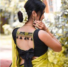 New Saree Blouse Designs, Choli Blouse Design, Cutwork Blouse Designs, Blouse Designs Catalogue, Hand Work Blouse Design, Simple Blouse Designs, Blouse Back Neck Designs, Stylish Blouse Design, Stylish Dress Designs