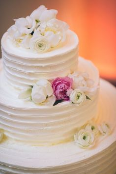 Wedding cake idea; Featured Photographer: Sascha Reinking Photography