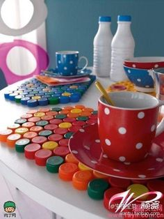 diy with plastic-bottle-cups