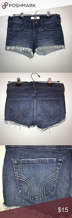Woman's Hollister Dark Wash Denim Shorts Size 3 Condition: Barely worn Brand: Hollister Size: 3 or 26W Style: dark wash with folded frayed bottom Accepting all reasonable offers. Hollister Shorts Jean Shorts