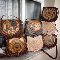 Leather carving – All Bag Models Leather Stamps, Leather Art, Leather Gifts, Leather Bags Handmade, Tooled Leather, Soft Leather Handbags, Leather Purses, Leather Wallet, Sacs Design