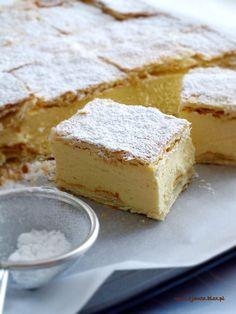 Kremówka – Zjem to! Sweet Recipes, Cake Recipes, Dessert Recipes, Cheesecake, Apple Pie Bars, Polish Recipes, Breakfast Dessert, Baked Goods, Sweet Tooth