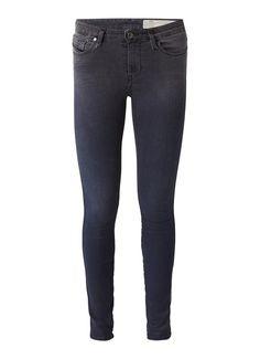De beste jeans voor vrouwen zonder billen - MonStyle
