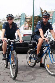 Αστυνομικοί με ποδήλατα και βερμούδες σε Πλάκα, Ακρόπολη, Μοναστηράκι, Φιλοπάππου. Στόχος η προστασία των τουριστών