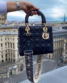 Luxury Purses, Luxury Bags, Sac Lady Dior, Fake Designer Bags, Designer Shoes, Handbags Online Shopping, Dior Handbags, Louis Vuitton Handbags, Dior Purses