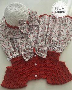 Zemindeki yeni kumaşım🌸🌷🌸 Çok sevdim, daha ütülemeden paylaşmak istedim 😻💖🧡 . . . 💌 Bilgi ve sipariş için DM (mesaj) yazın lütfen 🙏🏻 💌 . . #nurknitting #knitdress #cocukelbise #knitstagram... | SnapWidget Crochet Yoke, Crochet Vest Pattern, Love Crochet, Crochet For Kids, Vintage Crochet, Crochet Dress Girl, Baby Girl Crochet, Crochet Baby Booties, Crochet Baby Dresses
