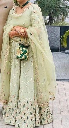 Desi Wedding Dresses, Pakistani Formal Dresses, Indian Wedding Outfits, Indian Dresses, Indian Outfits, Bridal Dresses, Indian Clothes, Wedding Suits, Designer Party Wear Dresses