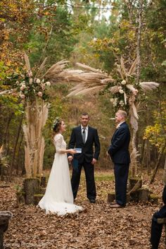 We love this pampas grass trend! If you're a bohemian bride you need to see this wedding! Chelish Moore Flowers creating this stunning floral masterpiece. This couple's wedding at Carolina Country Events was breathtaking from beginning to end. Continue through this pin to see more of this fall boho wedding dream! #delongphotography #carolinacountryweddings #chelishmooreflowers #bohemianwedding #bohowedding