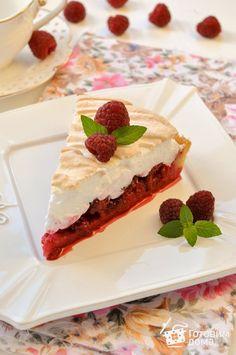 Пирог с малиной и меренгой (безе)