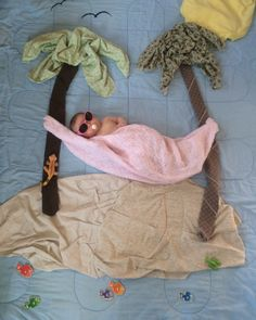 43 Ideas funny baby pictures ideas creative for 2019 Monthly Baby Photos, Newborn Baby Photos, Baby Poses, Baby Boy Newborn, Funny Baby Pictures, Baby Girl Pictures, Newborn Baby Photography, Baby Month By Month, Belle Photo