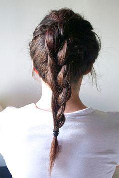 """<div>Update a ponytail with a braid for a fun twist like this courtesy of <a href=""""http://www.runwaychef.com/3-ways-to-update-a-ponytail/"""">Runway Chef</a>. Read more at <a href=""""http://hellonatural.co/ultimate-guide-gorgeous-10-minute-hairstyles/"""">Hello Natural</a>.</div><div><br></div><div><br></div>"""