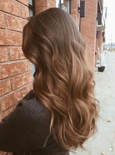 Long Wavy Ash-Brown Balayage - 20 Light Brown Hair Color Ideas for Your New Look - The Trending Hairstyle Brunette Hair, Blonde Hair, Long Brunette, Curly Hair Styles, Natural Hair Styles, Light Brown Hair, Natural Brown Hair, Golden Brown Hair, Long Brown Hair