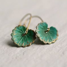 Boho Turquoise Lily Pad Long Earrings, LEAF EARRINGS - These leaf earrings are brass charms with some amazing detail, which have been carefully treated, p - Cute Jewelry, Jewelry Accessories, Jewelry Design, Trendy Jewelry, Fashion Jewelry, Cheap Accessories, Luxury Jewelry, Leaf Earrings, Stud Earrings