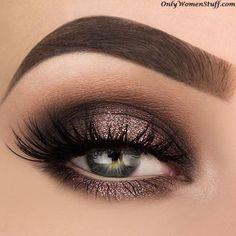 Simple natural eye makeup tutorial step by step everyday colorful pink peach hooded eye makeup for eye glasses for beginners # Eyes # Eyeshadow makeup for beginners - - Brown Glitter Eyeshadow, Dramatic Eyeshadow, Simple Eyeshadow, Simple Eye Makeup, Natural Eye Makeup, Eye Makeup Tips, Makeup For Brown Eyes, Glam Makeup, Eyeshadow Makeup