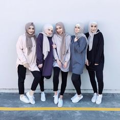 Cozy Hijab Outfits Ideas For The First Day Of Class İslami Erkek Modası 2020 - Tesettür Modelleri ve Modası 2019 ve 2020 Hijab Casual, Simple Hijab, Hijab Chic, Look Fashion, Trendy Fashion, Girl Fashion, Fashion Outfits, Fashion Tape, Fashion Killa