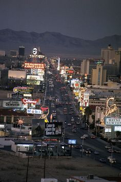 Vintage Las Vegas -The strip, January 1976. Photo by Hank deLespinasse.