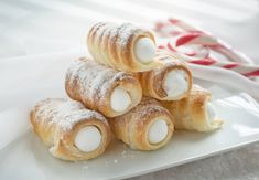 Foam roll with sugar snow filling not too sweet - Backen - Doughnut Recipes Easy Cake Recipes, Sweet Recipes, Dessert Recipes, Simple Recipes, Austrian Desserts, Macedonian Food, Food Tags, Mini Donuts, Turkish Recipes