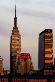 Empire State Building, New Yorker Hotel ~ NYC. New York Life, Nyc Life, City Aesthetic, Travel Aesthetic, Empire State Of Mind, Empire State Building, Mykonos, Photo New York, A New York Minute