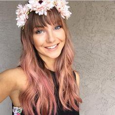 long rose gold hair with flower crown langes roségoldenes Haar mit Blütenkrone Rose Hair, Pink Hair, Rose Gold Brown Hair, Cabelo Rose Gold, Blond, Gold Hair Colors, Hair Colours, Look Rose, Grunge Hair