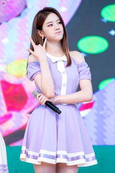 Korean Singer, Kpop Girls, Asian Beauty, Girl Group, Harajuku, My Photos, Idol, Actresses, Sexy