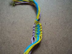 The knitted bracelet tutorial//this website has tons of different friendship bracelet tutorials