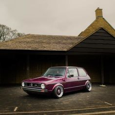Classic Car News Pics And Videos From Around The World Vw Mk1, Car Volkswagen, Vw Cars, Best Muscle Cars, Old Classic Cars, Sexy Cars, Vintage Cars, Dream Cars, Golf 1