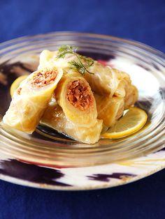 トルコ風のロールキャベツ、ひと口大サイズなので前菜にもぴったり。|『ELLE a table』はおしゃれで簡単なレシピが満載!