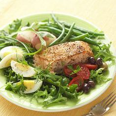 This Grilled Salmon Salad Nicoise is a simple way to serve a tasty and nutritious dinner. More salad recipes: Grilled Salmon Dinner, Grilled Salmon Salad, Grilled Fish, Clean Eating Recipes, Healthy Eating, Cooking Recipes, Dinner Healthy, Healthy Food, Healthy Meals