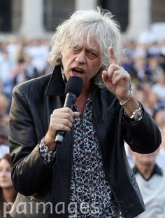 Bob Geldof addresses crowds of 'No' campaigners as they attend a 'Better Together' rally in Trafalgar Square, London ahead of the Scootish independence referendum on Thursday.