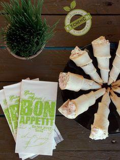 Coni di pancarrè ripieni di gamberetti e yogurt greco un fingerfood delizioso per aperitivi e buffet, facile e veloce adatto anche per le feste