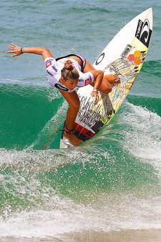 Barbados Surfing conditions are ideal for any level of surfer. Barbados is almost guaranteed to have surf somewhere on any given day of the year. Kitesurfing, Female Surfers, Surfing Pictures, Sup Surf, Roxy Surf, Beach Volleyball, Big Waves, Ocean Waves, Surf Style
