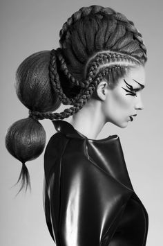 Avant Garde Braided Hairstyles In 2020 Avant Garde Style Fits the Largeness Of the Renaissance Creative Hairstyles, Funky Hairstyles, Braided Hairstyles, Avant Garde Hairstyles, Hair Inspo, Hair Inspiration, Runway Hair, Editorial Hair