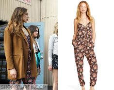Spencer Hastings (Troian Bellisario) wears this floral print jumpsuit in this week's episode of Pretty Little Liars. It is the Denim & Supply Ralph Lauren Floral-Print Racerback Jumpsuit. Pretty Little Liars Seasons, Pretty Little Liars Fashion, Little Fashion, Spencer Hastings Outfits, Spencer Pll, Fashion Tv, Fashion Outfits, Fashion Clothes, Fall Fashion