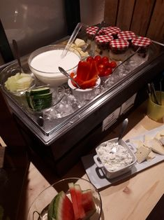 Chocolate Fondue, Table Settings, Desserts, Food, Sunlight, Meal, Table Top Decorations, Deserts, Essen