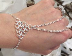 Slave Bracelet, Bracelet Ring, Chainmail, Chainmaille, Triangle, Hand Chain, Hand Jewelry, Silver plated, Silver toned, Bracelet, Ring, Siz Jump Ring Jewelry, Body Chain Jewelry, Hand Jewelry, Wire Jewelry, Beaded Jewelry, Jewelery, Gold Jewellery, Slave Bracelet, Hand Bracelet