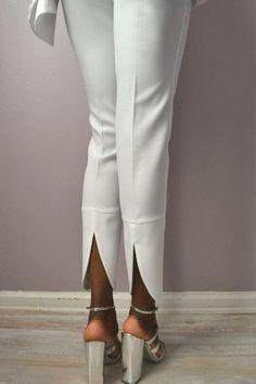 Penelope Lace Bridal Jumpsuit by DanielaTabois on Etsy Fast Fashion, Look Fashion, Fashion Details, Fashion Pants, Fashion Dresses, Fashion Design, Pantalon Cargo, Bridal Jumpsuit, Salwar Designs