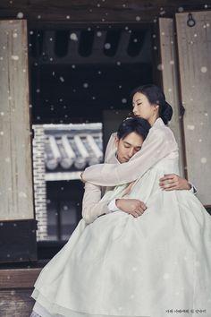 뮤지컬 나와나타샤와흰당나귀 컨셉 사진 백석役강필석&자야役 최주리