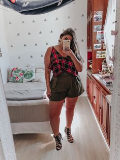 Plus Size Clothes Brands Plus Size Looks, Look Plus, Curvy Girl Outfits, Plus Size Outfits, Plus Size Summer Fashion, Girl With Curves, Cute Comfy Outfits, Plus Size Beauty, Fashion 2020