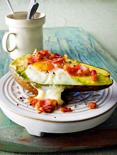Avocado mit Spielgelei aus dem Backofen - eine tolle Idee!